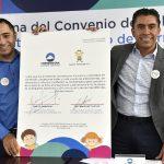 Firma Corregidora convenio con Banco de Tapitas