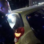 Operador del 911 Emergencias y policías municipales ayudan en el nacimiento de un bebé