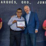 Enrique Vega encabezó ceremonia de honores a la Bandera en primaria de La Griega