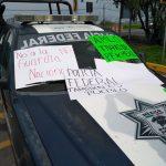 Federales en protesta dejan pasar gratis por la caseta de Palmillas