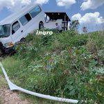 Sale del camino transporte de personal en la Carretera a Huimilpan