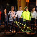 """Luis Nava entregó 20 bicicletas en apoyo a """"Saca la Bici"""""""