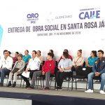 Gobernador entrega obras sociales en Santa Rosa Jáuregui
