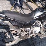 En la comunidad de La Gotera se asegura a individuo que tripulaba moto robada