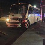 Camión se queda sin frenos y deja lesionados a mujer y su bebé en Avenida de las Fuentes