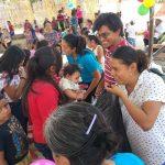 Antorcha festeja a niños y mamás en Peñamiller