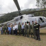 Acude Gobernador a supervisar trabajos de contención del incendio forestal en la Sierra Gorda