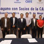 Municipio instala mesa de trabajo con constructores de la vivienda