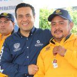Luis Nava entrega 17 vehículos utilitarios a la Secretaría de Servicios Públicos