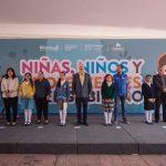 Enrique Vega encabeza ceremonia de Niñas, Niños y Adolescentes en el Gobierno