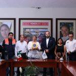 Municipio de Querétaro donó 7 desfibriladores automáticos a la UAQ