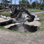 Socavón en Avenida del Parque es atendido por Obras Públicas