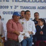 Entrega Luis Nava apoyos por 3 mdp en paquetes tecnológicos de siembra de maíz