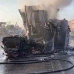 Así fue el incendio de un trailer hoy en la México-Querétaro