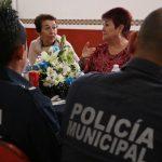 Locatarios del Mercado Escobedo reconocen a policías del Grupo Lobos
