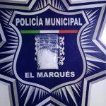 Policías de El Marqués, aseguran a sujeto con droga