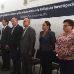 Gobernador entrega armamento a la Policía de Investigación