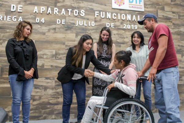 Audio: SMDIF El Marqués entregó aparatos funcionales a personas con discapacidad