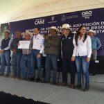 Gobernador entrega fertilizantes para el campo y sistemas de riego en Pedro Escobedo