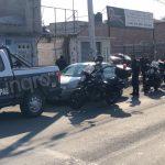 Aseguran tras persecución a tres sujetos por robo de vehículo