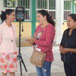 Entrega Connie Herrera paquetes de apoyo a escuela en SJR