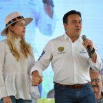 Luis Nava y Arahí Domínguez entregaron 4 mil 193 apoyos del programa DIF a tu Lado