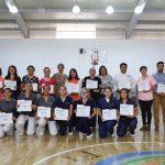 Enfermería entrega reconocimientosalumnos y docentes destacados