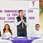 AGRADECEN MAESTROS DE TEQUISQUIAPAN A TOÑO MEJÍALIRA SUAPOYO A LA EDUCACIÓN
