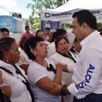 Acude Luis Nava a jornada de Alcalde en tu Calle en Las Azucenas