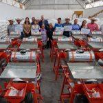 Entrega Enrique Vega Carriles apoyo a productores para el Desarrollo Rural Integral