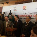 Gobernador toma protesta al XIX Consejo Directivo de la FECAPEQ