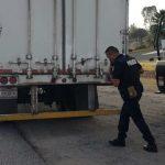 Policía de El Marqués aseguró dos vehículos y una caja seca
