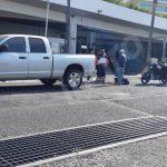 Incidente vial entre motocicleta y camioneta