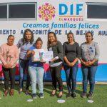 Reconoce DIF de El Marqués a padres de familia encargados de las aulas-cocina