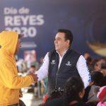 Celebra Luis Nava Día de Reyes con los trabajadores del Municipio