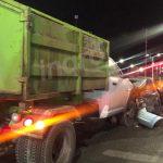 Camioneta de Red Ambiental provoca carambola en avenida Paseo Querétaro