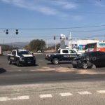 Transporte público choca a vehículo en el Boulevard Peñaflor