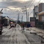 14 postes de CFE dañados y 15 vehículos con daños por viento y lluvia