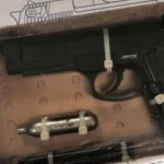 En Las Azucenas se detiene a individuos con arma prohibida