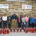 Recibe DIF de El Marqués extintores para aulas cocina