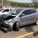 Vehículo se impacta contra camión