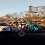 Embiste camión a varios vehículos en Paseo de la República