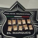 Policías de El Marqués aseguran a sujeto con droga, en La Pradera