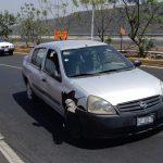 Vuelca automóvil en la carretera a Huimilpan