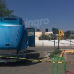 Trailer derriba postes en Santa Rosa Jáuregui