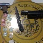 Dos asegurados en Jardines de la Hacienda por posesión de droga y armas