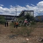 Abandonan camioneta tras Volcadura en Boulevard Peñaflor