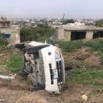 Vuelca camioneta en anillo vial Junípero Serra