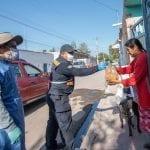 350 familias de Calamanda, El Marqués reciben donación de pollos