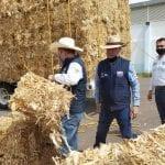 Reciben productores de El Marqués agua y alimento para su ganado